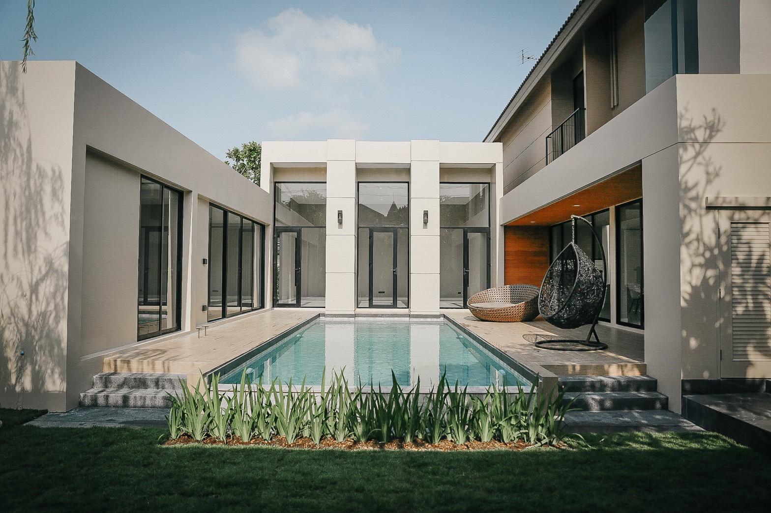 บ้านเดียวสุดหรู ขนาดใหญ่ ทำเลหายาก ซ.สุขุมวิท 93 พร้อมสระว่ายน้ำ